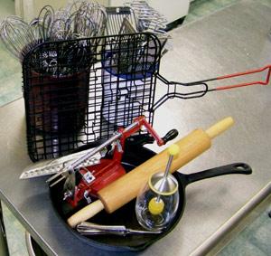 Hand-powered kitchen tools